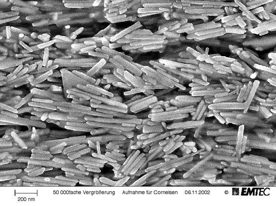 Magneetdeeltjes op een datatape Bron: © EMTEC, Willstätt