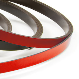 MT-07/red, Farbiges Magnetband 7 mm, zum selber Beschriften und Zuschneiden, Rollen à 1 m, rot