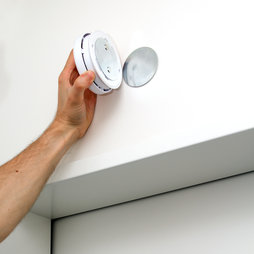 M-46, Mounting set for smoke alarm, equipped with neodymium magnets