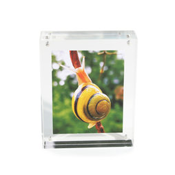FRM-01, Picture frame 11${dec}5 x 9 cm, with magnetic catch, made of transparent acrylic glass, for portrait or landscape format