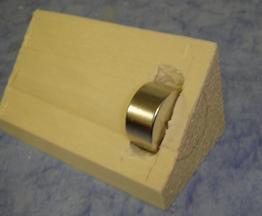 magnet anwendungen holz magnetisieren supermagnete. Black Bedroom Furniture Sets. Home Design Ideas