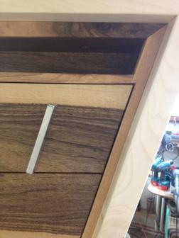 magnet anwendungen schreibtisch base supermagnete. Black Bedroom Furniture Sets. Home Design Ideas