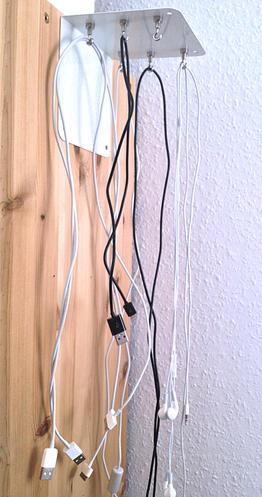 magnet anwendungen hakenmagnete als kabelhalter supermagnete. Black Bedroom Furniture Sets. Home Design Ideas